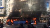 Un bus prend feu au Boulevard d'Anfa à Casablanca