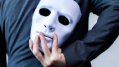 Escroc masque
