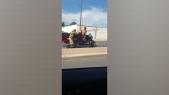 Cover_Vidéo: Course poursuite hollywoodienne entre éléments des forces de l'ordre et un conducteur de tri-porteur