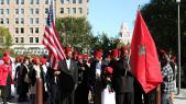 Des manifestants Afro-Américains brandissant le drapeau marocain