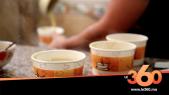 Cover Vidéo - صاحب مطعم بطنجة يختار طريقة لتوزيع وجبة البيصارة محمولة