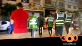 Cover_Vidéo: سلطات طنجة تغلق المقاهي والمحلات وتوزع الكمامات