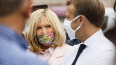 Brigitte Macron porte un masque signé Mehdi Qotbi.